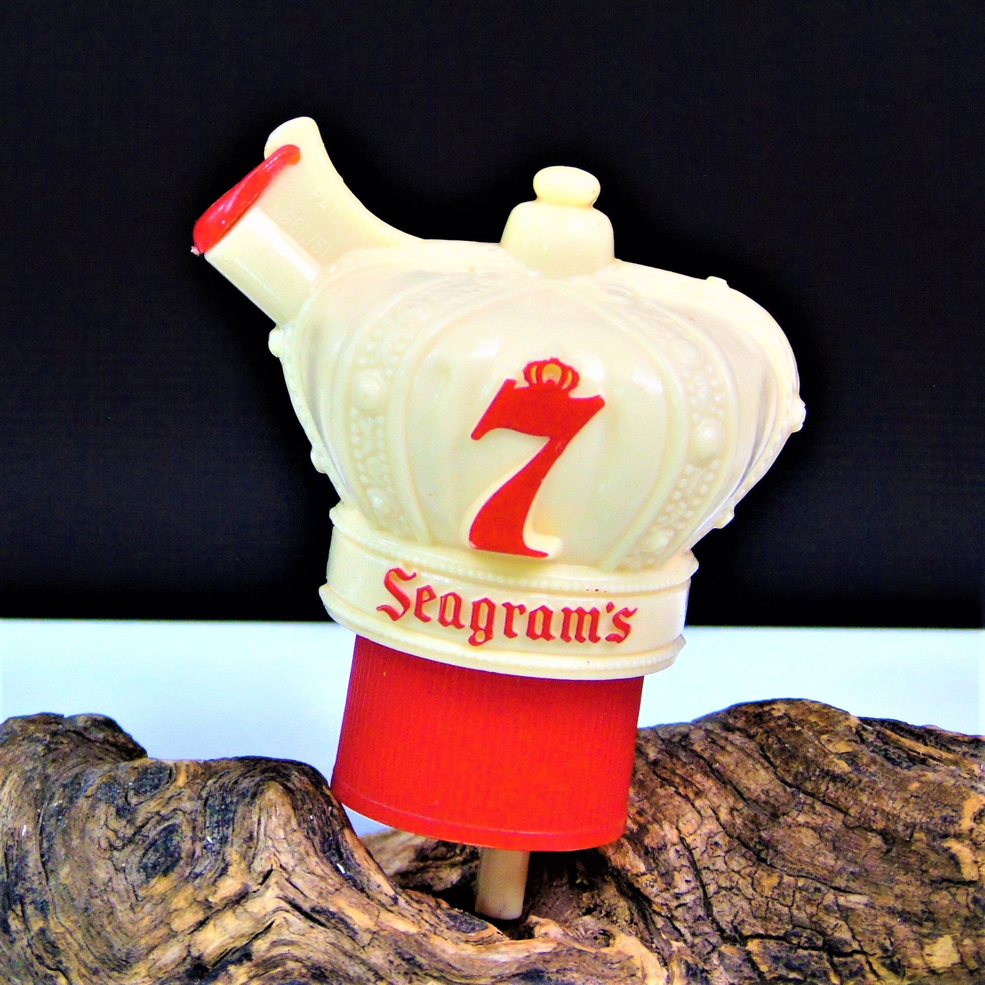 Vintage Seagram S Seven 7 Crown Shaped Whiskey Bottle Stopper Pour Spout Dispenser By 777vintagestreet On Etsy Https In 2020 Bottle Stoppers Whiskey Bottle Seagrams 7