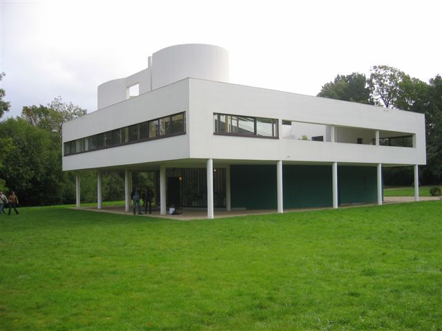 """Le Corbusier, Villa Savoye, 1929-31  this deconstructed """"villa"""" even has out door living spaces on top with a literallyb open floor plan as you can see through the windows"""