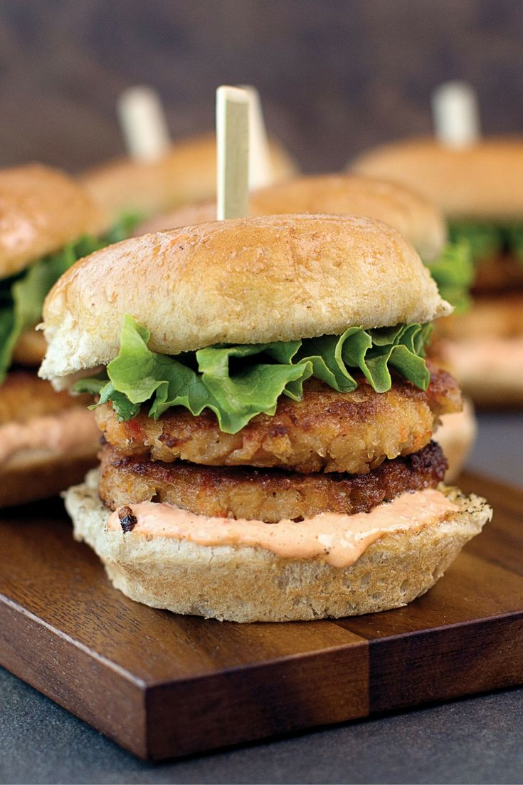 Crab Cake Sliders with Roasted Red Pepper Aioli  Get the full recipe! http://www.omahasteaks.com/recipe/crab-cake-sliders?SRC=RZ0637
