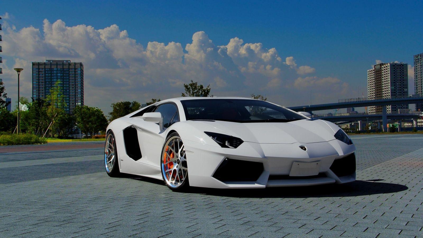X Lamborghini Aventador White Wallpaper