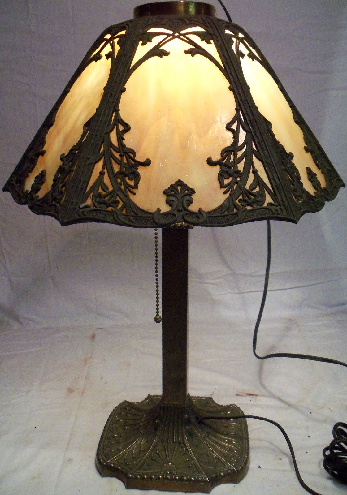 Antique victorian old miller slag stained glass shade table lamp