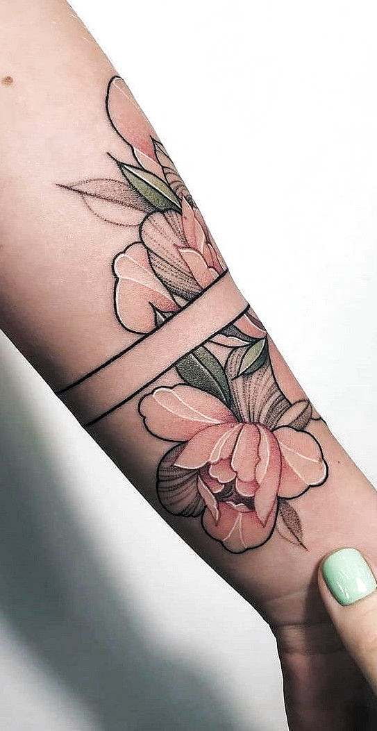 37 Schöne Blumentätowierung Für Frauen geeignet   Tattoo love  #flowertattoos