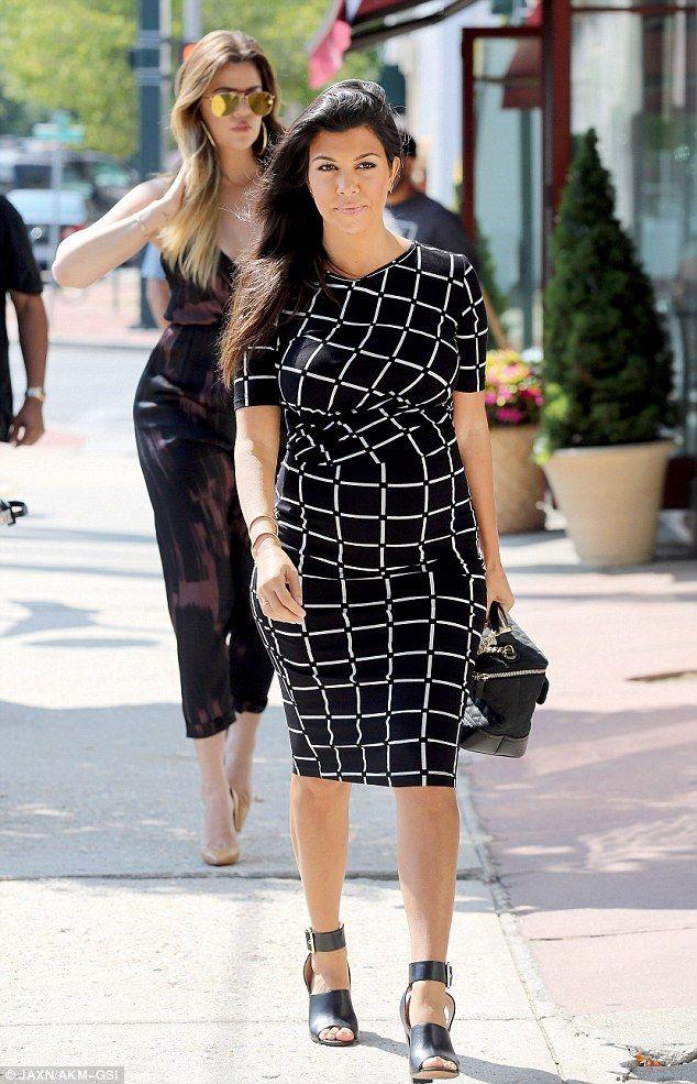 pregnant in heels kourtney kardashian showed off her