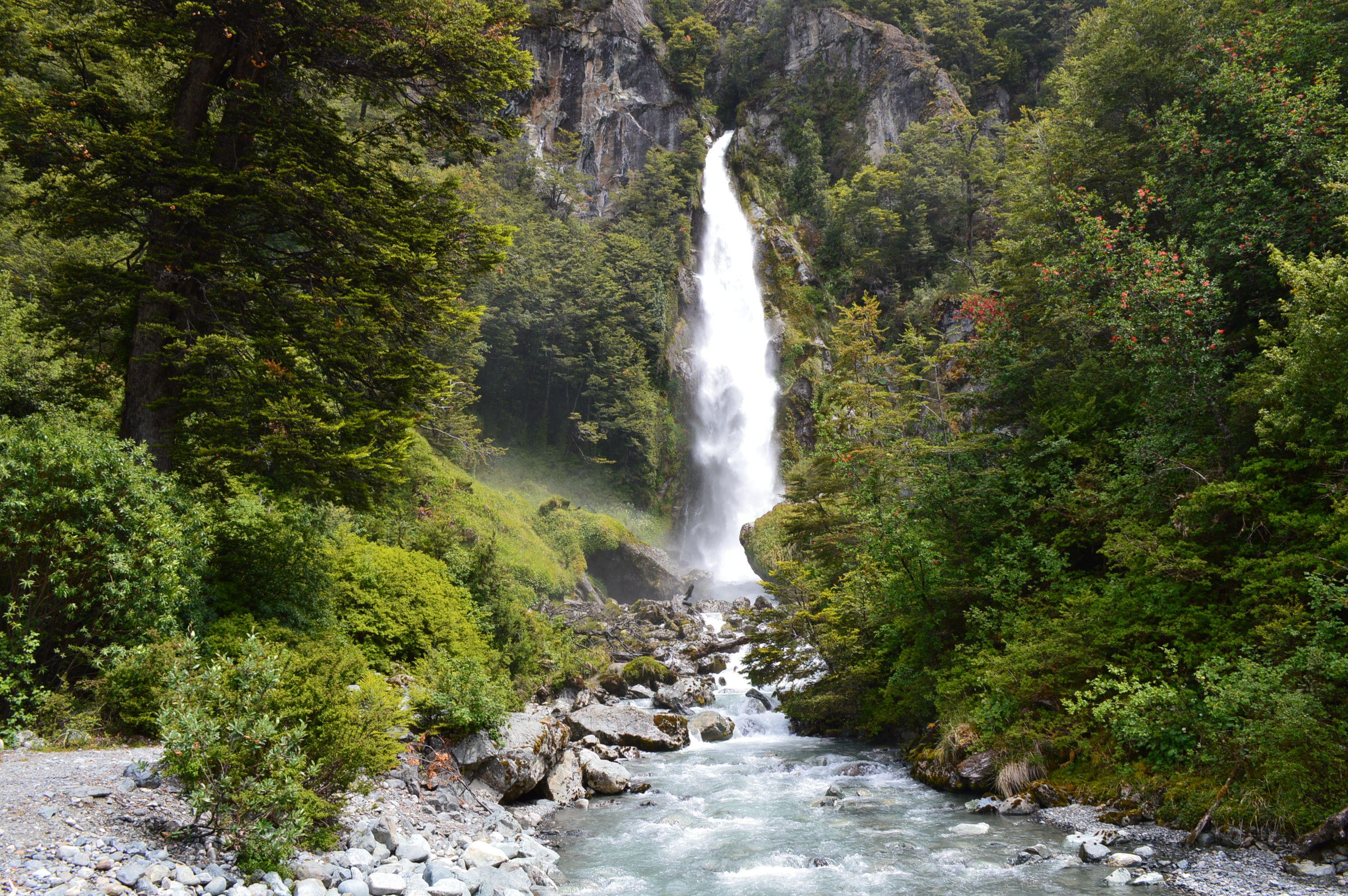 Exploradores De La Patagonia: Cascada De La Nutria- Camino Al Glaciar Exploradores