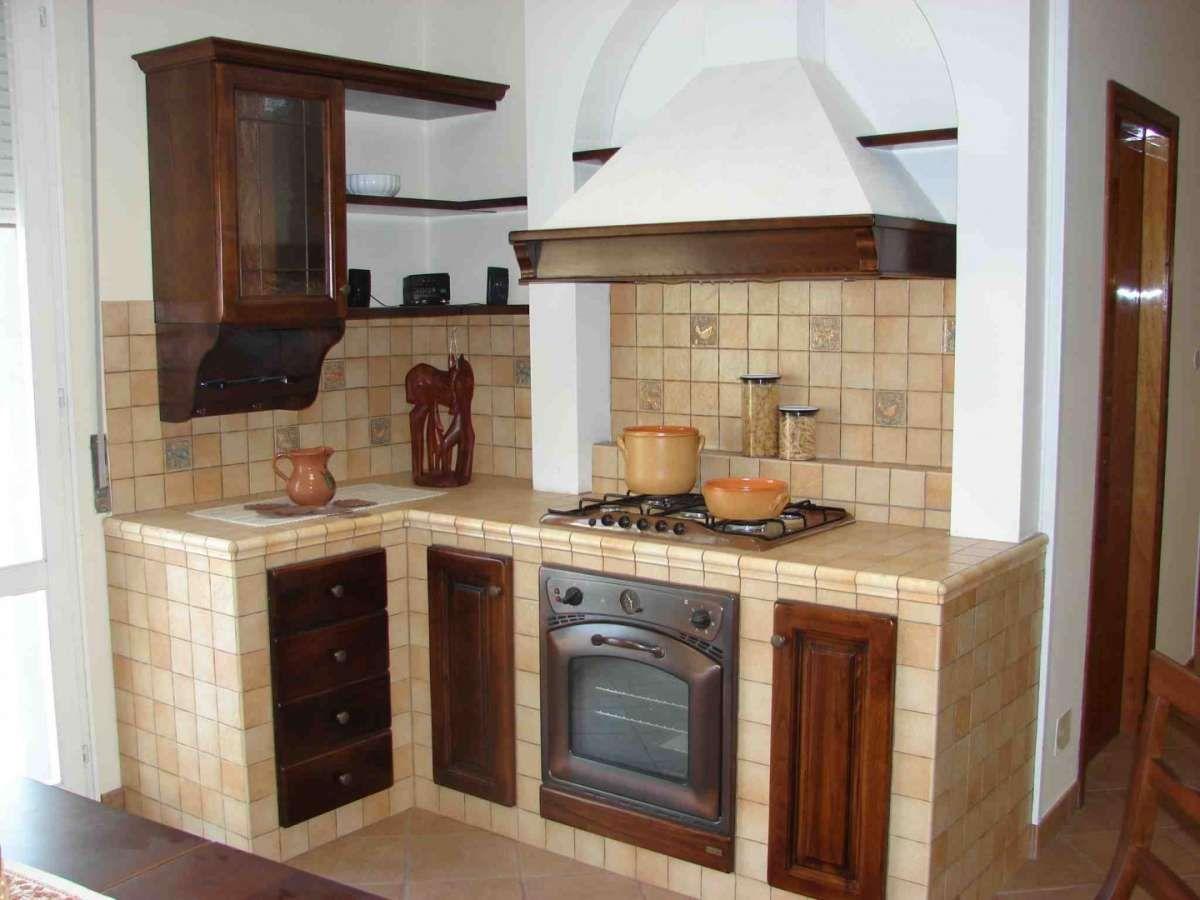 La cucina in muratura stata per tanti anni la cucina - Rivestimento cucina in muratura ...
