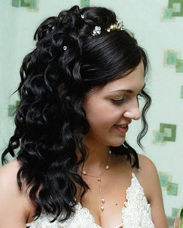 Image From Http Slodive Com Wp Content Uploads 2012 03 Half Up Half Down We Indian Wedding Hairstyles Wedding Hairstyles For Long Hair Quinceanera Hairstyles