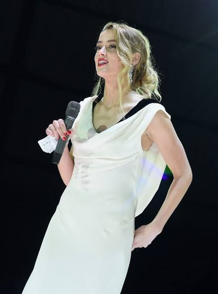 (17) Amber Heard  Narcisstic  Physchopathia  RAV DSM-5 manual   NIMH.   Transgender,  born male.