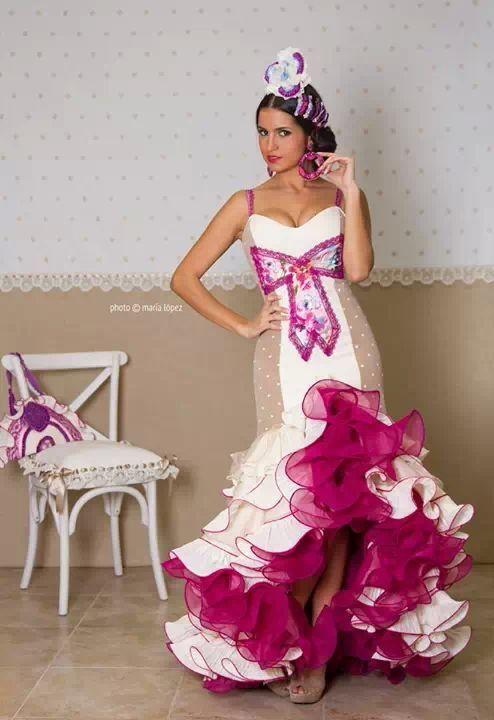 5126058e5 El abanico de Velez | Фламенко | Flamenco, Vestidos de sevillanas y ...