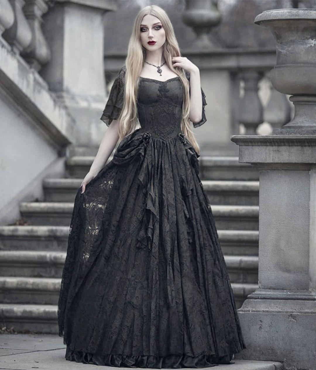 Darkincloset On Instagram Classic Beauty Dress Reference Oq 391 Model Absentia Veil Darkinclose Gothic Victorian Dresses Vampire Dress Gothic Prom Dress [ 1266 x 1080 Pixel ]