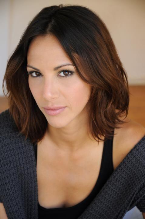 Lisa Vanderpump S Spin Off Vanderpump Rules Shoulder Hair Mom Haircuts Hair Styles