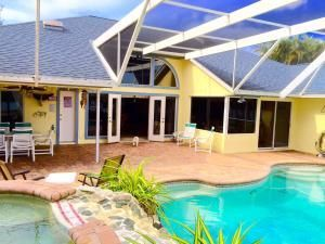 4 Beds 3 Baths Port St Lucie Fl Pool Home For Sale Visit Www Buyandselltreasurecoast Com To View More Homes Current Florida Pool Port St Lucie Dream House