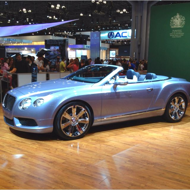 Bentley Convertible Powder Blue