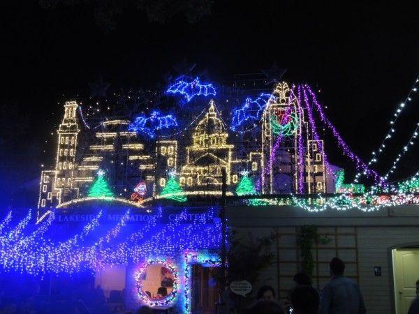 mozarts christmas light show on lake austin