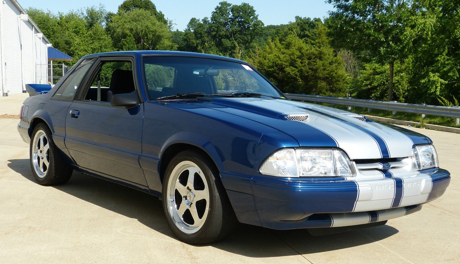 Car brand auctioned ford mustang lx sedan 2 door 1993 car model ford mustang
