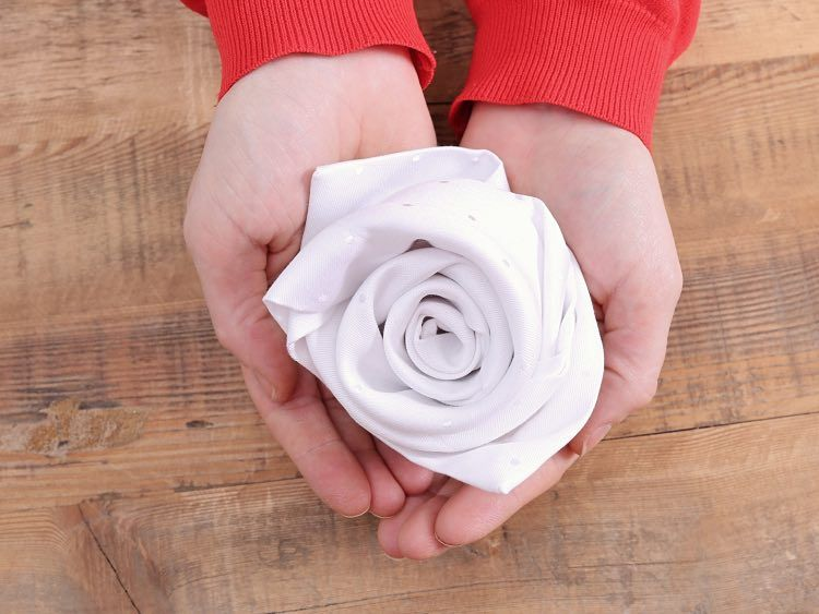 doblar servilletas forma rosa