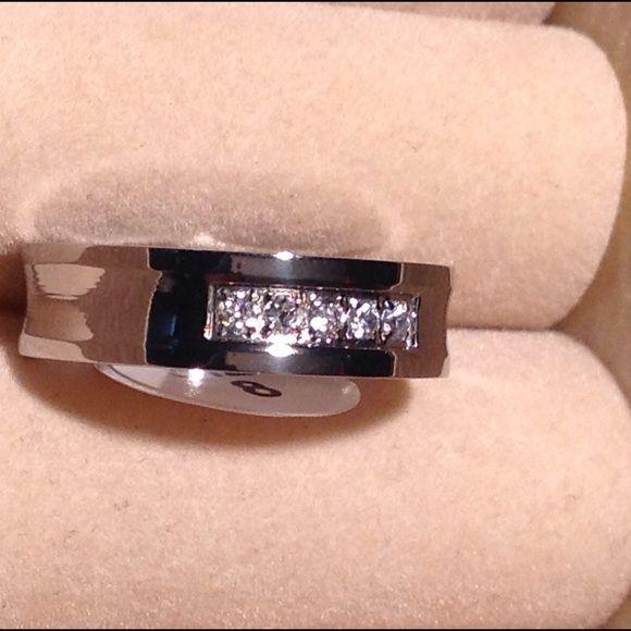 Titanium ring with Simulated Diamonds Beautiful ring Jewelry Rings