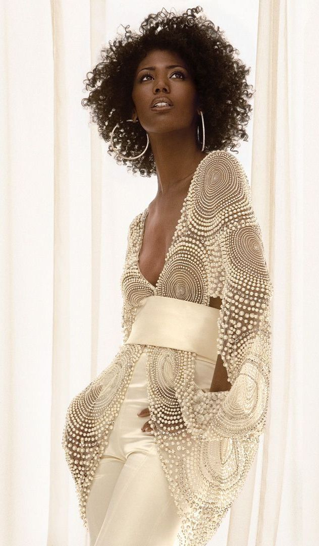 6883334393d Cute Outfits for Women With Curly Hair (2) Moda Fashion