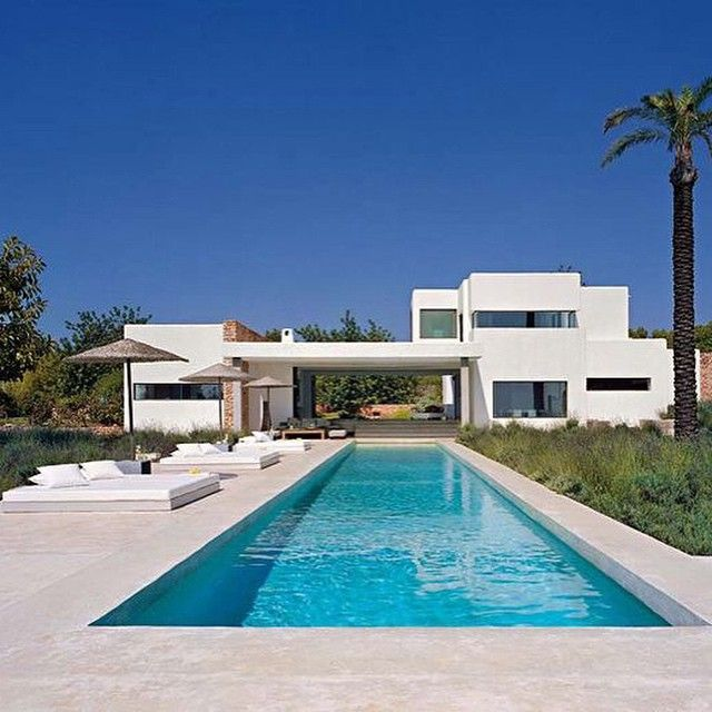 magnifique piscine de r ve piscine luxe piscines de r ve. Black Bedroom Furniture Sets. Home Design Ideas