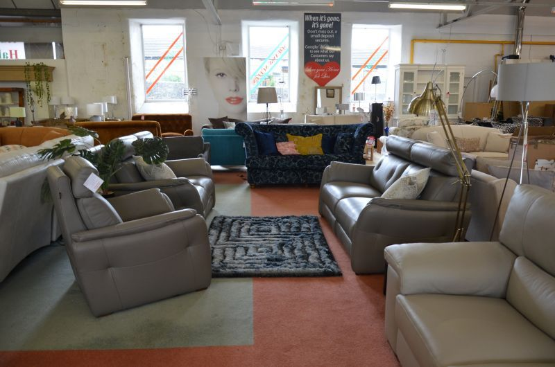 Plutone 3 Seater Recliner Sofa 2 Seater Recliner And Armchair In Designer Italian Leather In 2020 Reclining Sofa Gray Interior Ex Display Sofas