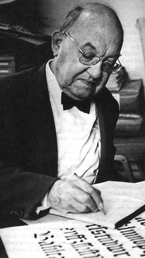 Jan Tschichold (1902-1974) era tipografo alemão, designer de livros, professor e escritor. A personalidade central da tipografia vanguardista do século XX. Foi uma figura singular, expoente bipolar das duas grandes correntes estéticas que dominaram a tipografia do século XX: a ousada «nova tipografia» e o revivalismo da tipografia clássica, orientada pelas convenções seculares em vigor desde a Renascença.