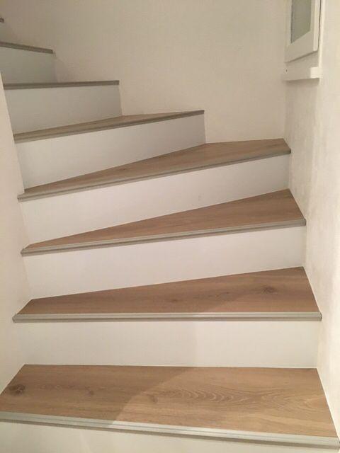 Escalier Avec Contremarches Blanches Escalier Carrelage Escalier Bois Habillage Escalier