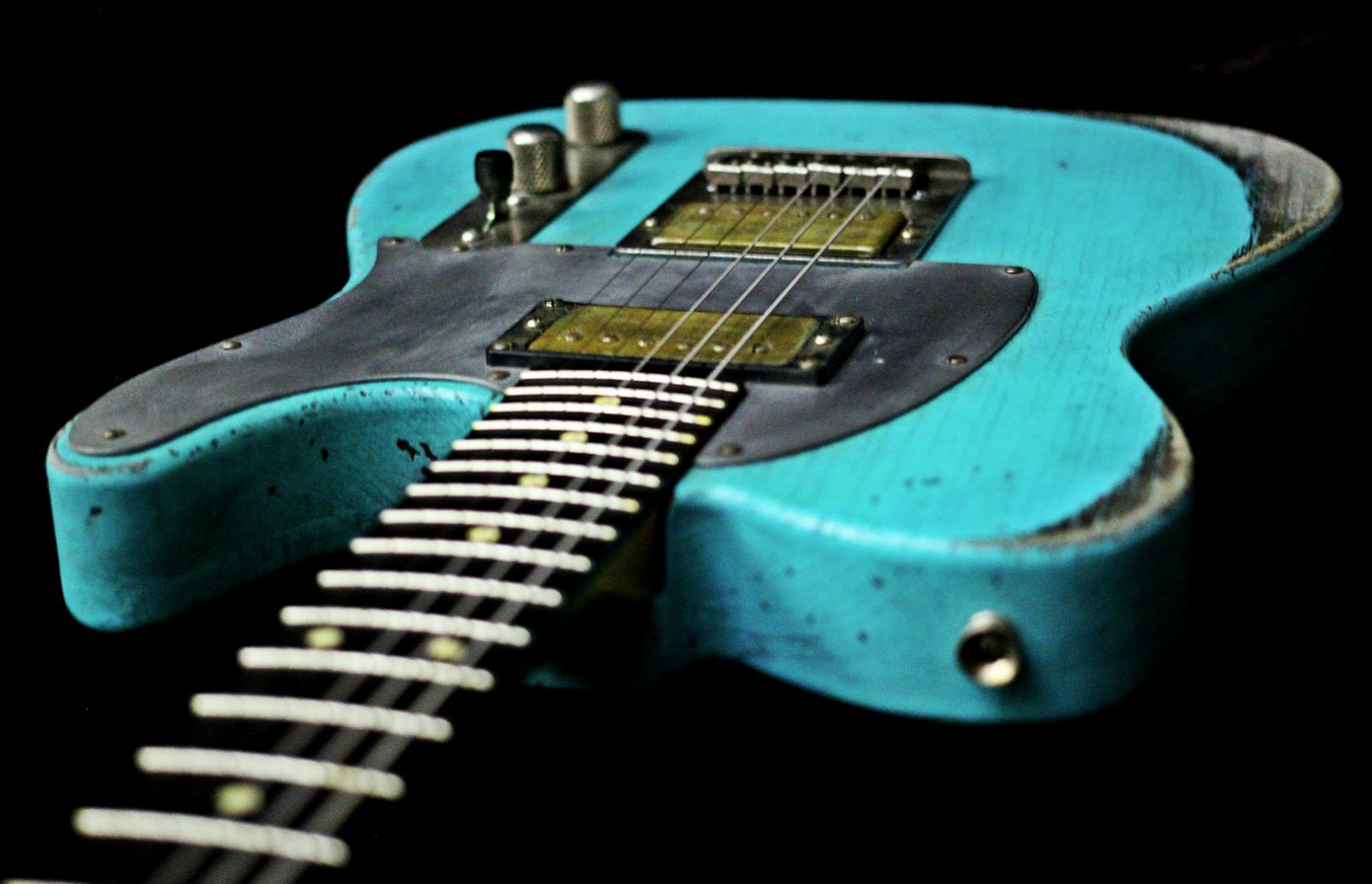 This is a beautiful Palir , reverse  headstock