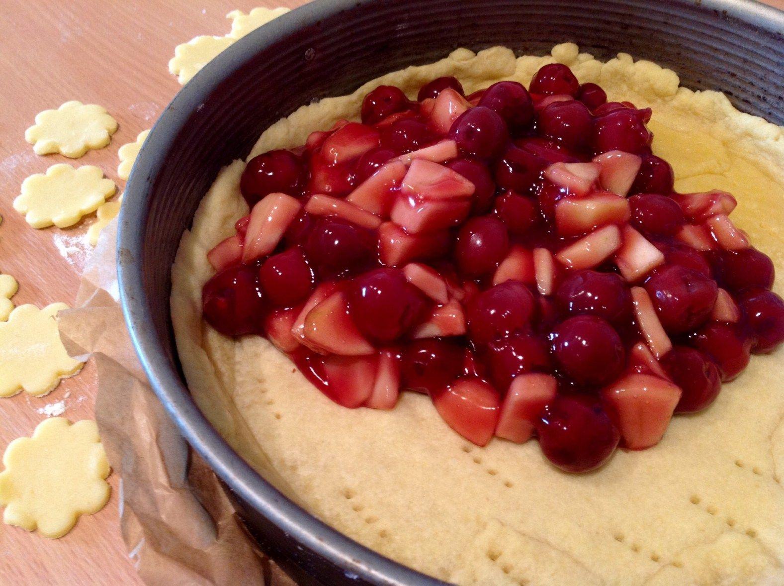 Apfel Kirsch Kuchen Kuchen Mit Kirschen Kirschen Und Fruchtiger Kuchen