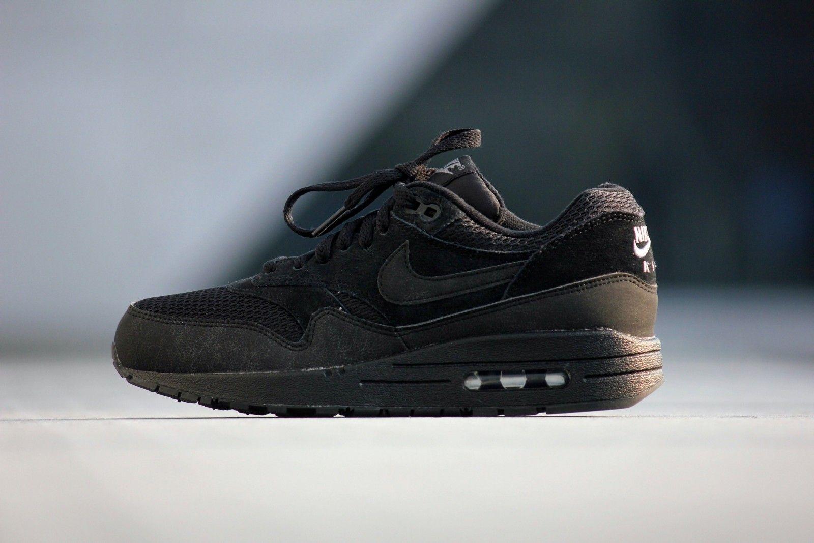 Nike Air Max 1 Essential Triple Black 599820 011 | Triple