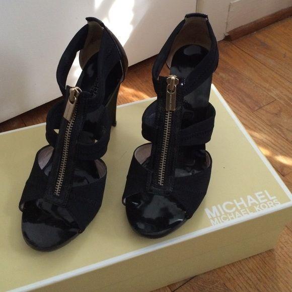 Michael Kors heel The classic MK nylon heel with zipper. Shoe style Berkley T STP STR MSH Michael Kors Shoes Heels