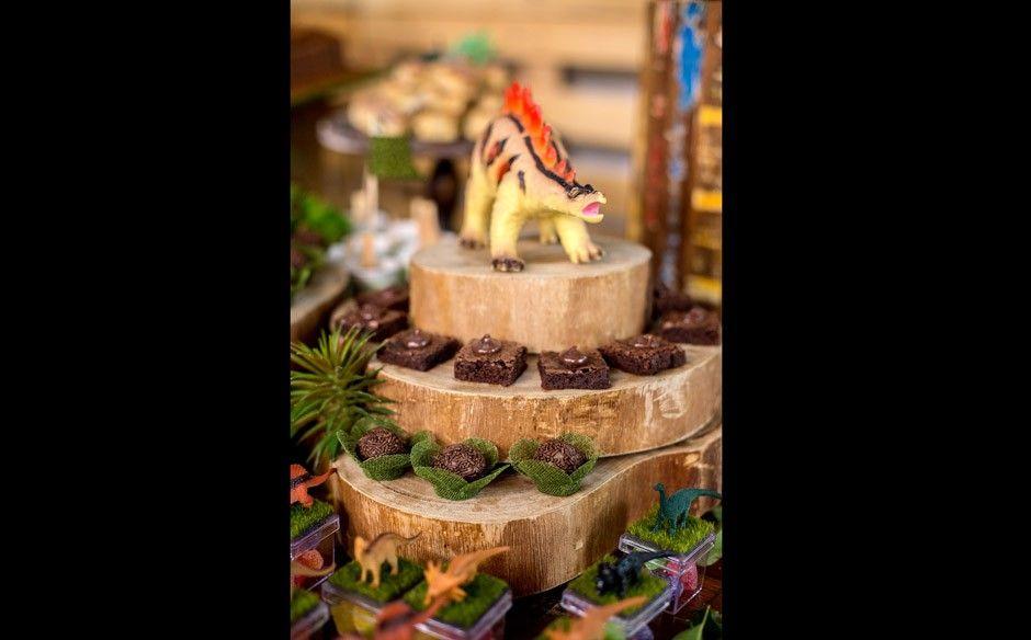 Festa Infantil Com O Tema De Dinossauros No Fazendo A Festa