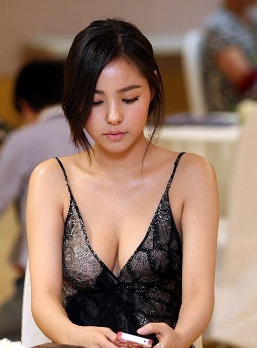 Min Hyo Rin Sexy Korean Actress