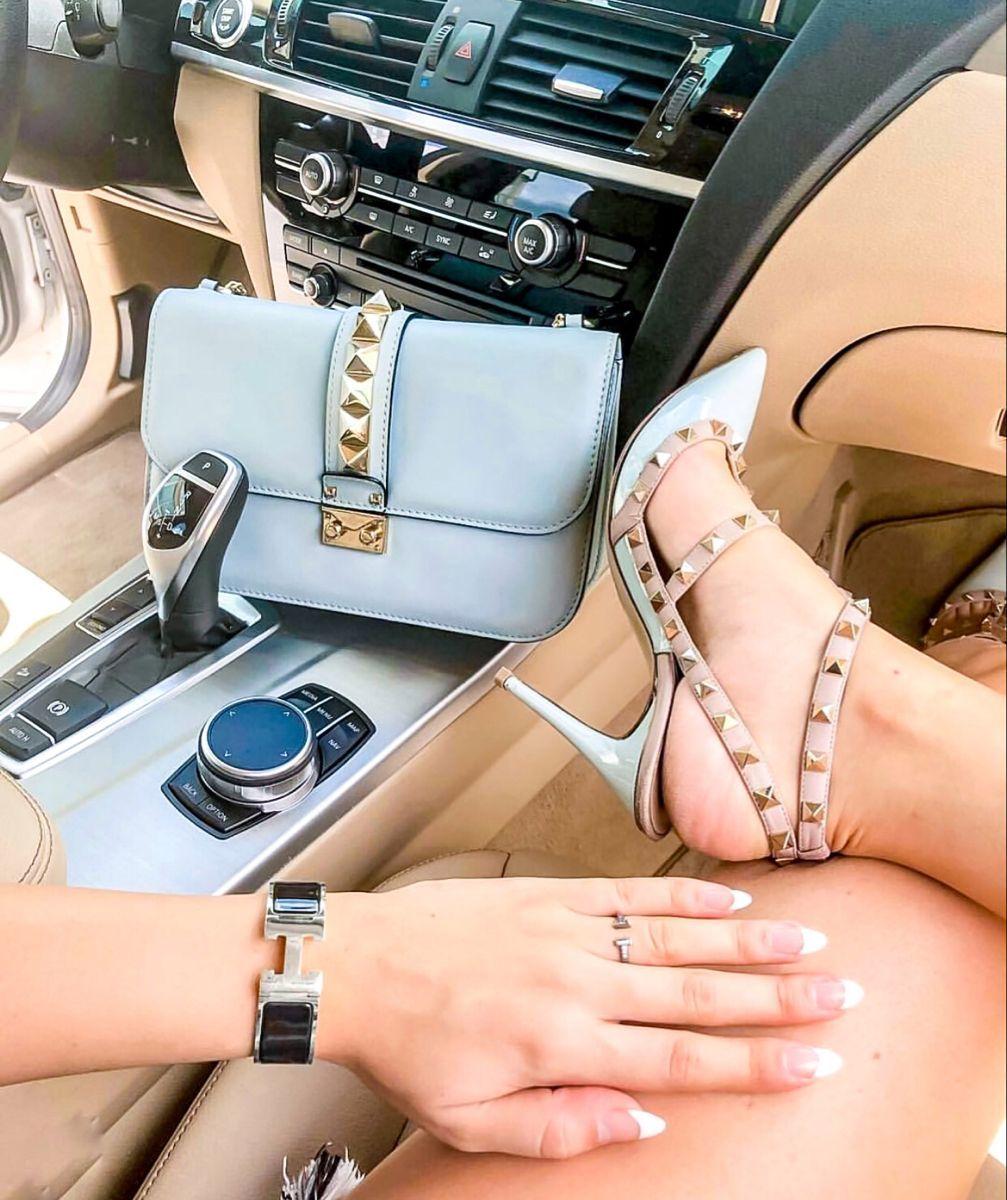 #shoeshighheels #heelsaddict #valentino #bagsandpurses #womenfashion #women #fashionstyle #fashion #vogue #fashionblogger #onlineshopping #clothes #outfit #model #summer #dress #beauty #jewelry #style #girls #videos #health #love #wedding #shoes #night