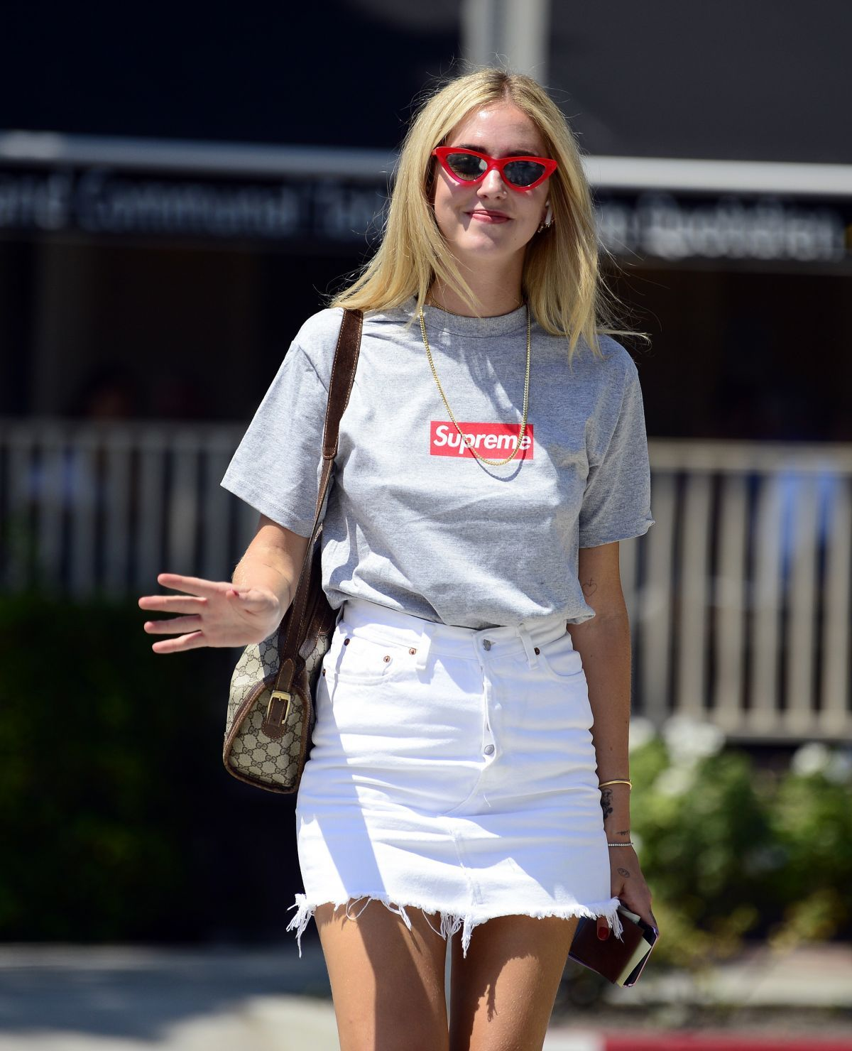 6f5bc46cc1 chiara-ferragni-out-and-about-in-los-angeles-08- — Postimage.org ...