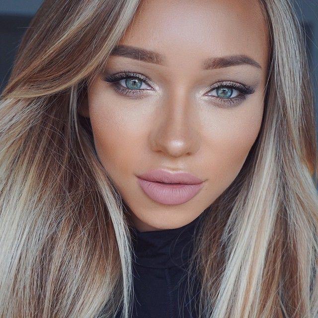 Products used: Foundation: @makeupforeverofficial HD Y405 Contour: @anastasiabeverlyhills cream kit in light, @benefitcosmetics Hoola Highlighter: @anastasiabeverlyhills starlight Blush: @thebalm_cosmetics Hot Mama Setting powder: @lauramercier Eyebrows: @anastasiabeverlyhills brow wiz soft brown Eyeshadows: @japonesque PRO BASICS Eye pencil: @thebalm_cosmetics Jac Lips: @doseofcolors Truffle Brushes: @zoevacosmetics E38, 234, 224 @morphebrushes m507, m428, G1