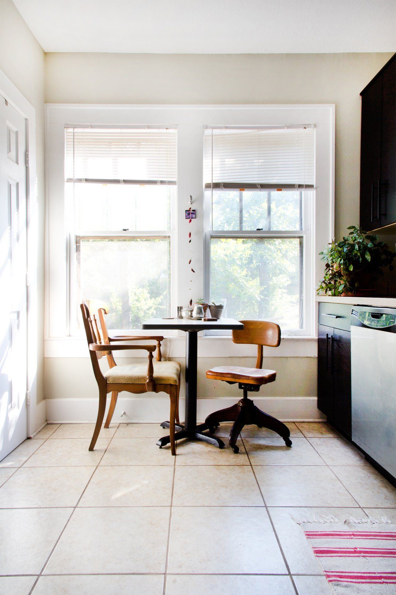 Noah Interieur Noah Marion S Warm Rich Home Kitchen Is In The House