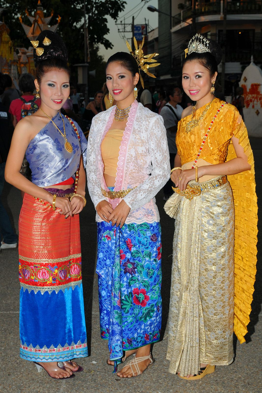Fantastic Thai Women And Thai Traditional Dress   Thai Traditional Dresses