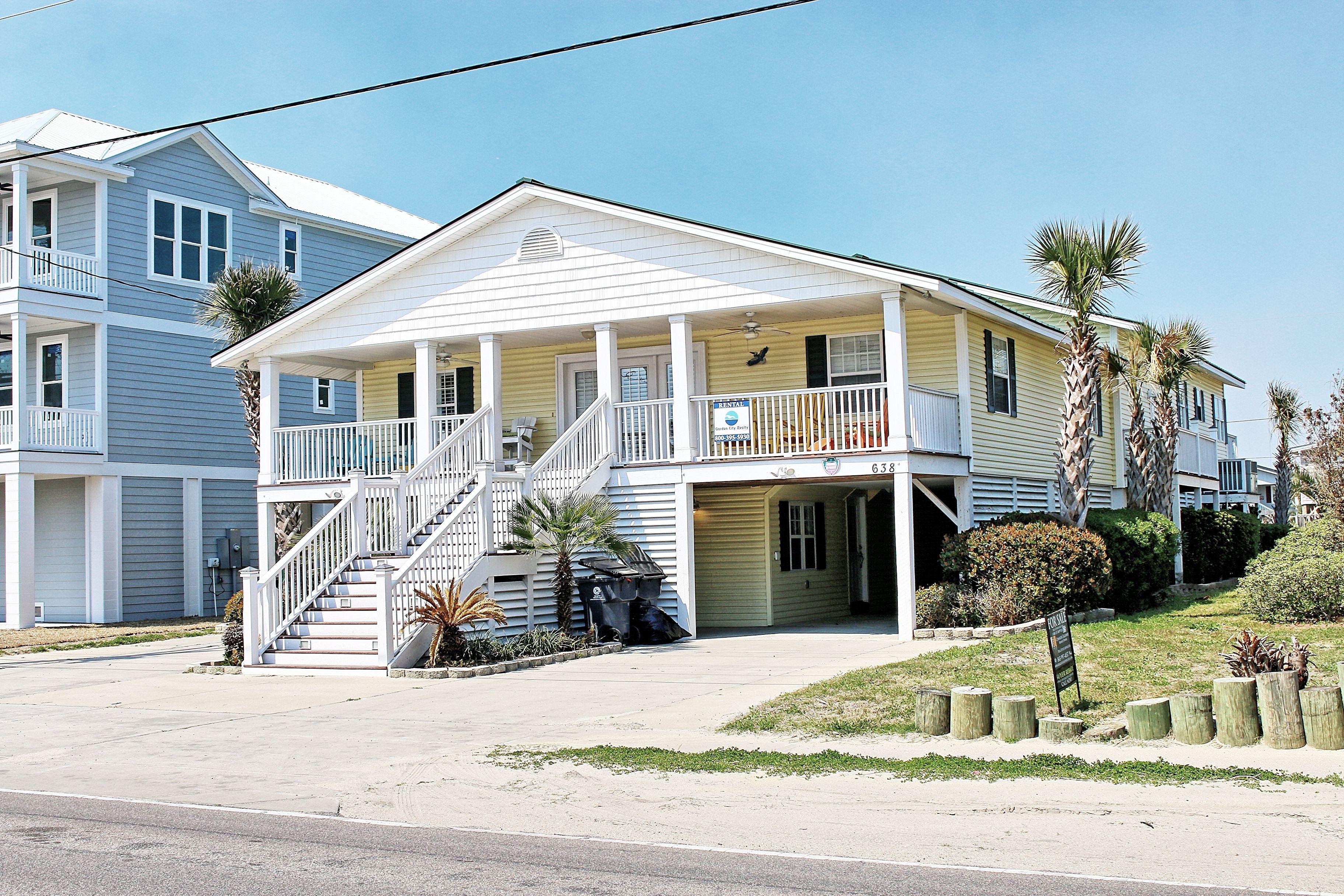 Pelican Reef Is A Nine Bedroom Six Bath Second Row Beach House