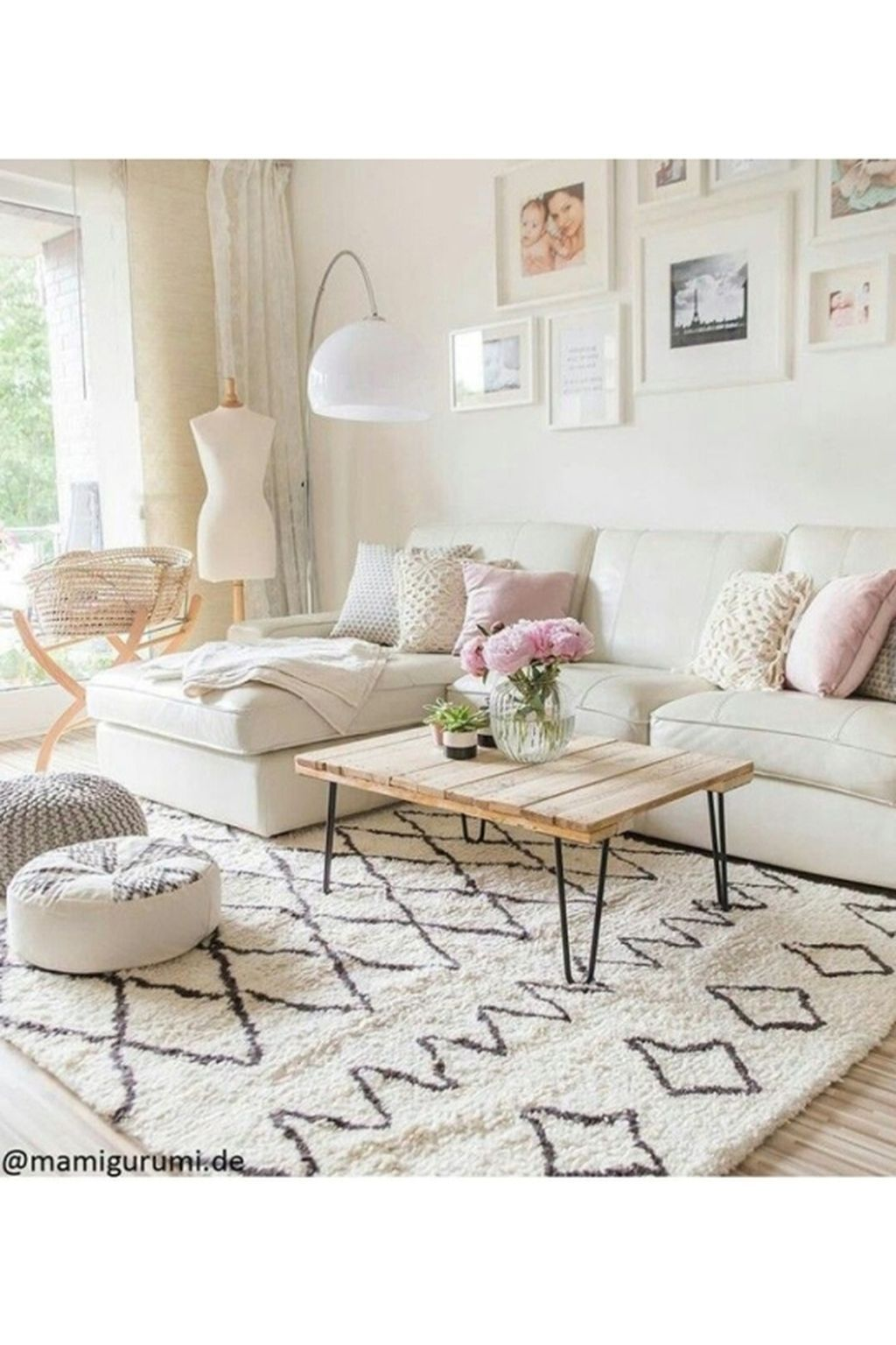 31 Stylish Soft White Couch Design Ideas For Small Living Roo