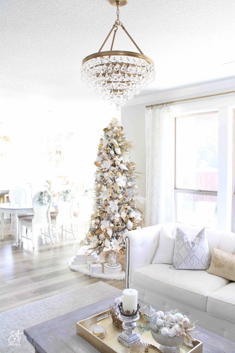 28+ Glam christmas coffee table decor ideas