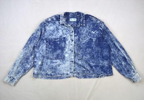 14.84$  Watch here - http://vijro.justgood.pw/vig/item.php?t=zu4cvt19800 - Vtg 90s Grunge Bleach Wash Blue Denim Retro Oversized Crop Western Jean Shirt M 14.84$