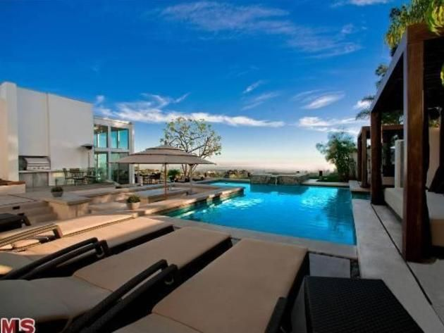 Cool Pools Over The Top Swimming Pool Designs プール 世界 歌手