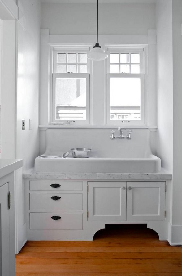 Achieve This Minimalist Design With A White Cast Iron Kitchen Sink From Signature Hardware Bathroom Farmhouse Style Vintage Kitchen Sink Farmhouse Sink Kitchen