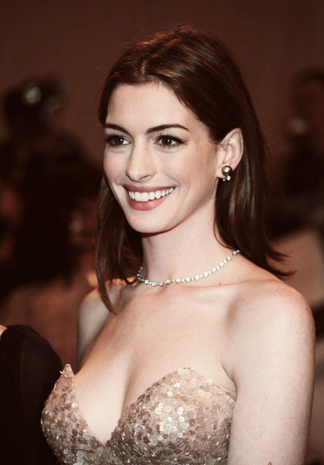 Anne Hathaway   Love   Anne Hathaway, Anne hattaway, Actors