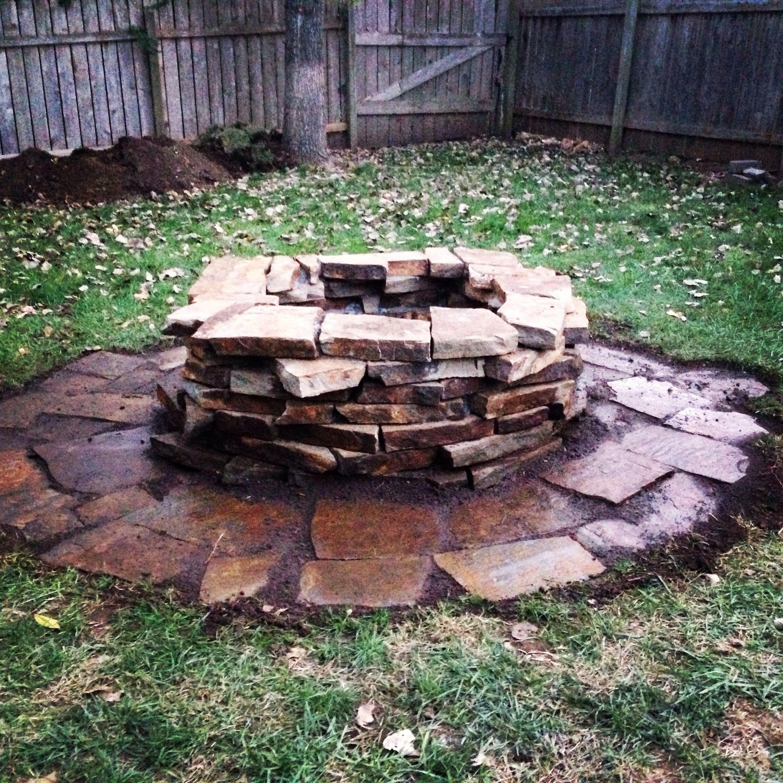 Rustic Fire Pit Black Hills Rustic Flagstone Rock 2 1 2 Inch Diy Lawrence Ks Outdoor Fire Pit Rustic Fire Pits Backyard