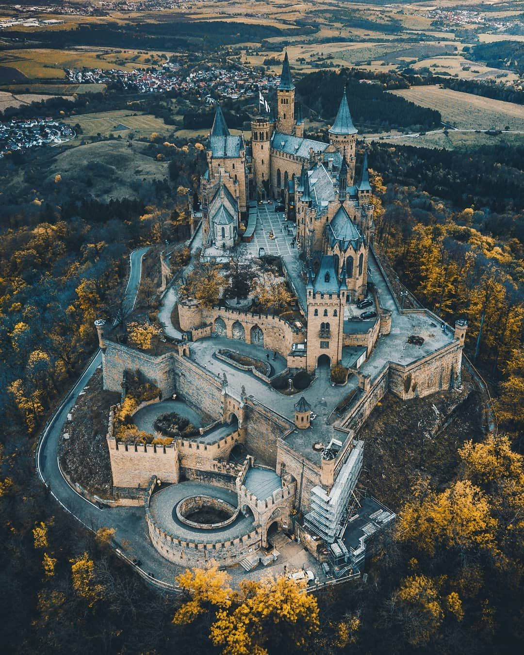 Lying On A Rugged Hill Above Hohenschwangau Village In Southwest Bavaria Schloss Neuschwanstein Or The New In 2020 Germany Castles Hohenzollern Castle Castles To Visit