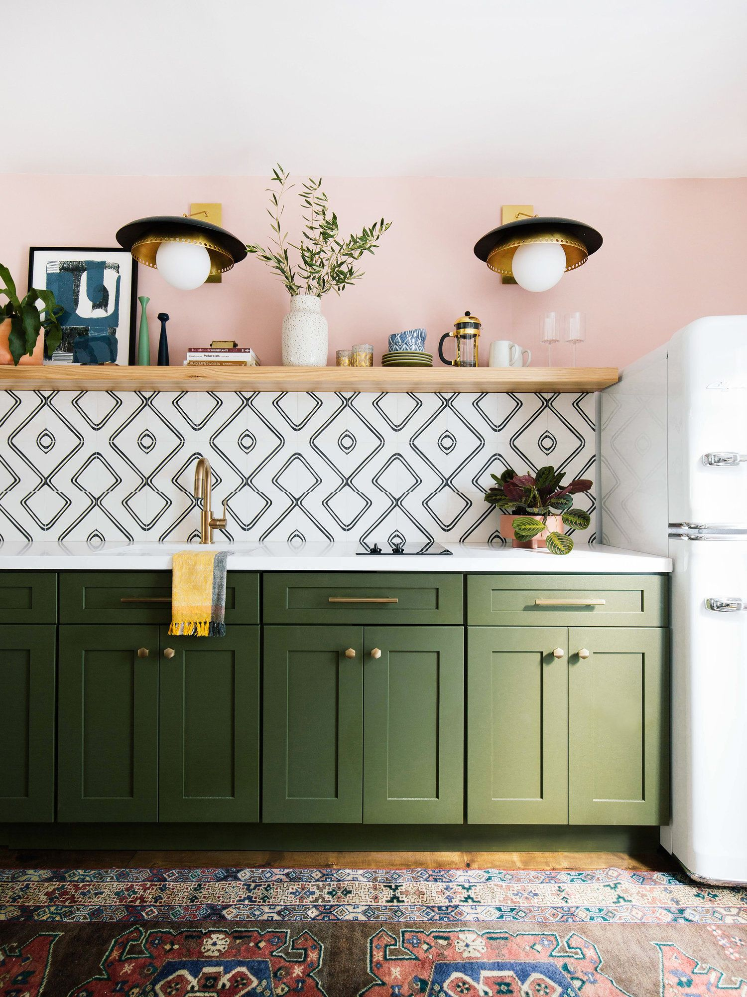 One Room Challenge Week Six Guesthouse Reveal Old Brand New Interior Design Kitchen Kitchen Design Small Kitchen Trends