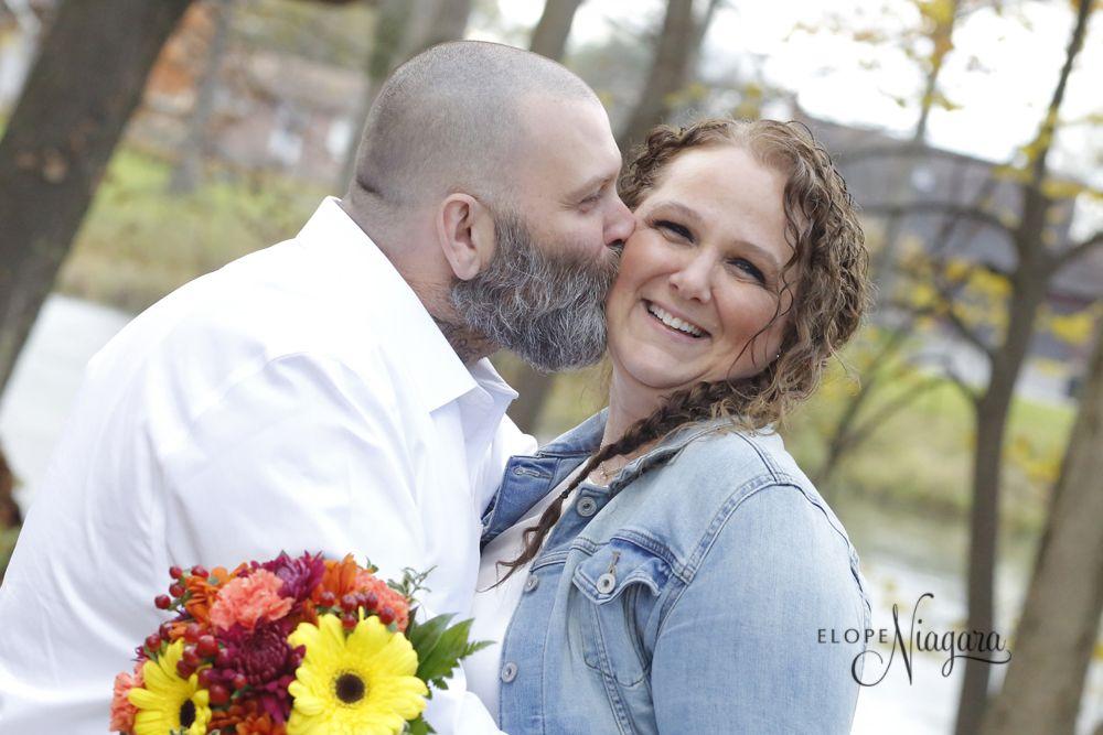 Happy Kisses At Elope Niagara Wedding Kiss Chapel Wedding