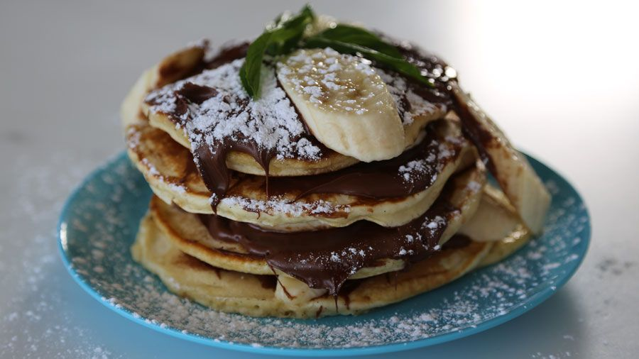 Httptenplaychannel tenthe living roomrecipesnutella the living room nutella banana pikelets recipe by robyn lawley forumfinder Image collections