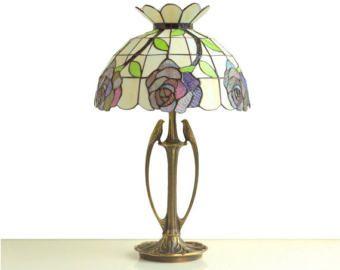 Lampada Di Vetro Macchiato Lampada Tiffany Lampada Da Tavolo Etsy Stained Glass Table Lamps Stained Glass Lamps Table Lamp