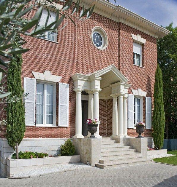 Fachadas con ventanas redondas inspiration architecture for Ventanas para fachadas de casas modernas